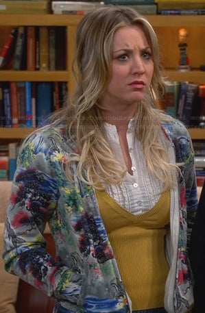 Penny's grey graphic print hoodie on The Big Bang Theory
