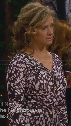 Vanessa's printed wrap dress on Last Man Standing