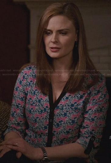 Brennan's blue and pink tiger printed top on Bones
