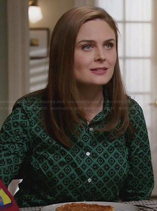 Brennan s green geometric printed shirt on Bones 9cf23b841cd