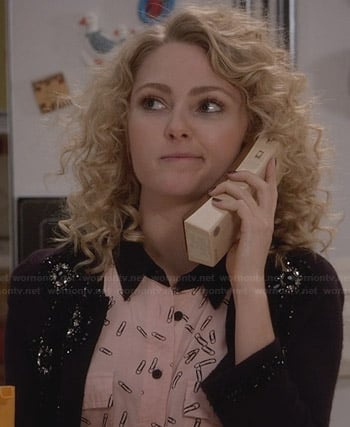 Carrie's pink paperclip printed shirtdress and black embellished cardigan on The Carrie Diaries