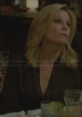 Claire's brown v-neck blouse on Modern Family