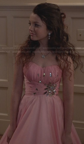 Dorrit's pink prom dress on The Carrie Diaries