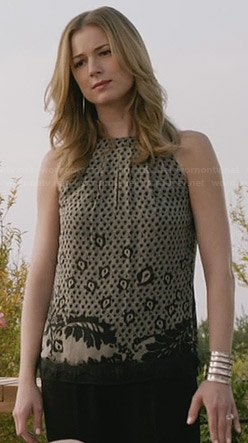 Emily's black patterned lace top on Revenge