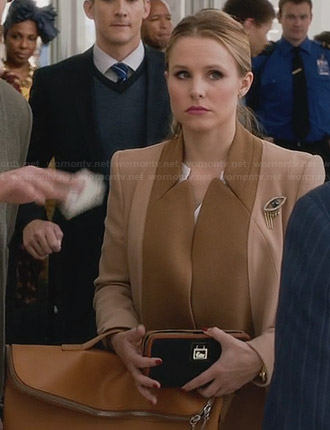 Jeannie's two tone coat and foldover bag on House of Lies
