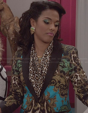 Larissa's gold and blue mixed print blazer on The Carrie Diaries