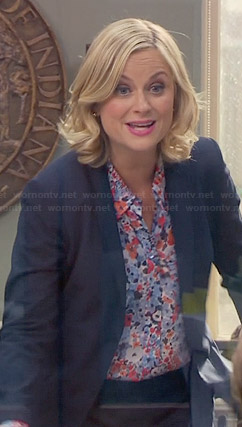 Leslie's blue and red floral top on Parks & Rec