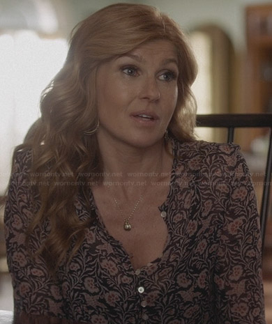 Rayna's floral button-front blouse on Nashville