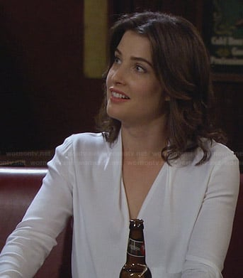Robin's white wrap blouse on HIMYM