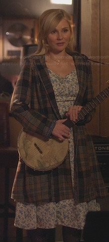 Scarlett's blue floral dress and plaid coat on Nashville