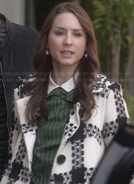 Spencer's black and white check coat on PLL