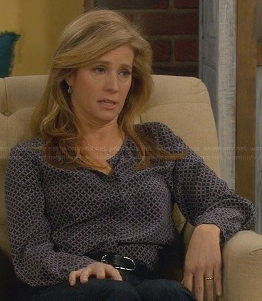 Vanessa's black lattice printed blouse on Last Man Standing