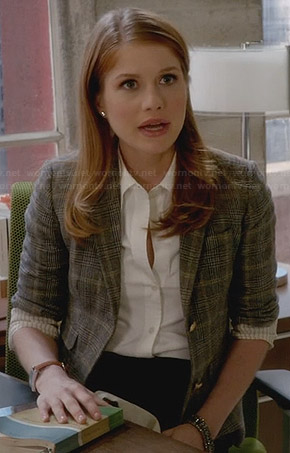 Caitlin's checked blazer on House of Lies