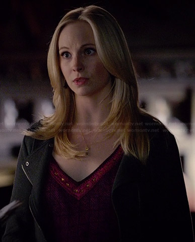 Caroline's purple v-neck top on The Vampire Diaries