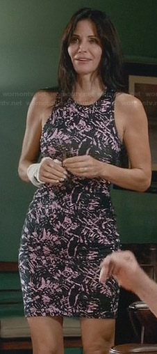 Jules's pink and black paint print dress on Cougar Town
