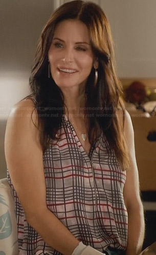 Jules's plaid zip front top on Cougar Town