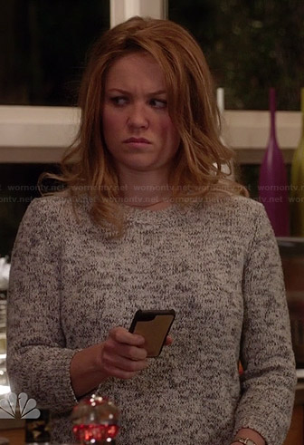 Julia's grey marled sweater on Parenthood