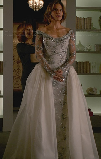 Kate Beckett's wedding dress on Castle