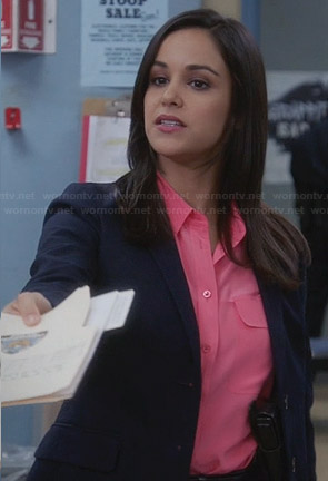 Santiago's pink shirt on Brooklyn 99