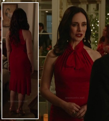 Victorias red dress with neck tie on Revenge