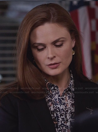 Brennan's blue floral printed shirt on Bones