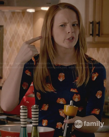 Daphne's blue owl print top on Switched at Birth
