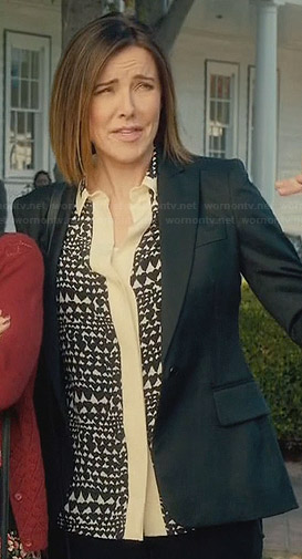 Ellie's heart print blouse with cream placket on Cougar Town