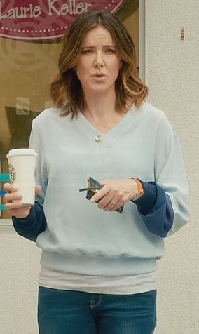 Ellie's light blue silk sweatshirt on Cougar Town