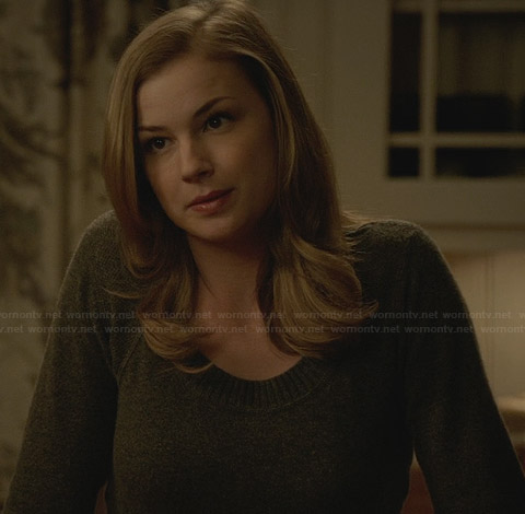 Emily's grey sweater on Revenge