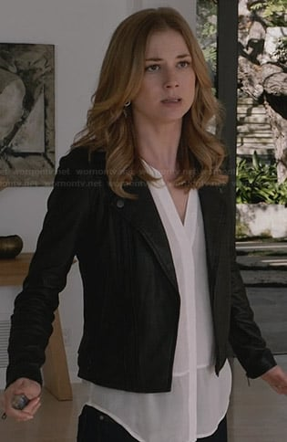 Emily's sheer white sleeveless top and leather jacket on Revenge