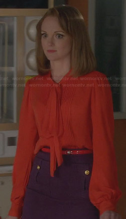 Emma's purple pocket front skirt and orange blouse on Glee