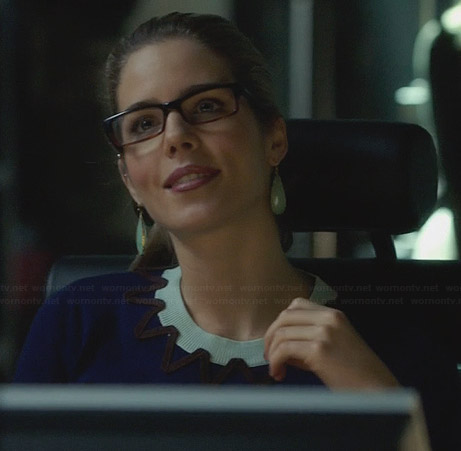 Felicity's blue sweater with zig-zag neckline on Arrow
