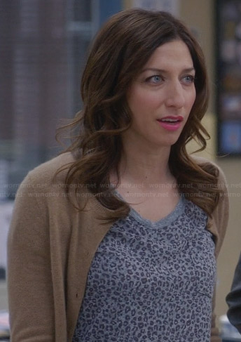 Gina's grey leopard print tee and beige cardigan on Brooklyn Nine-Nine