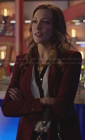 Laurels burgundy blazer on Arrow