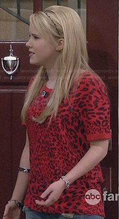Lennox's red leopard print tee on Melissa & Joey