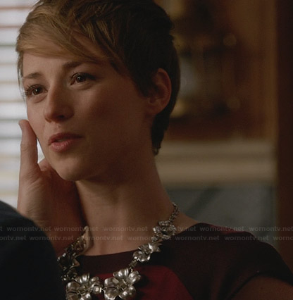 Margaux's purple dress and silver floral necklace on Revenge