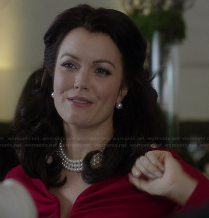 Mellie's red split-neck dress on Scandal