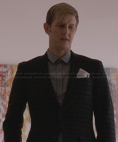 Nolan's blue spot printed shirt and grey checked blazer on Revenge
