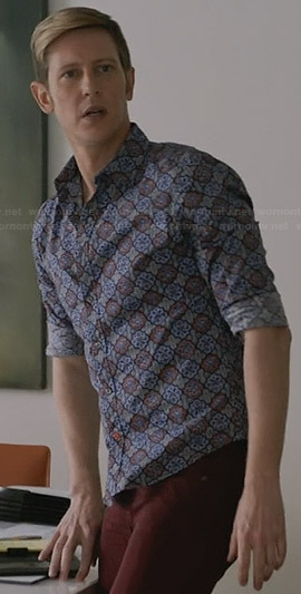 Nolan's blue floral shirt on Revenge