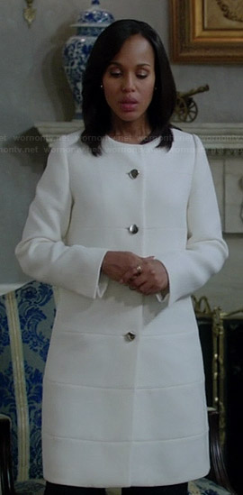 Mellie's red split-neck dress on Scandal