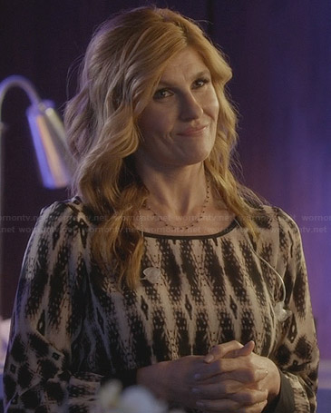 Rayna's printed long sleeve blouse on Nashville