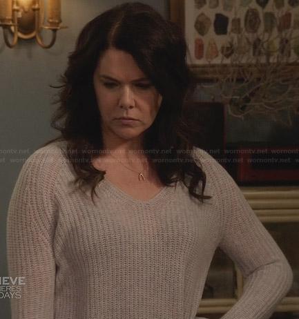 Sarah's grey knit sweater on Parenthood