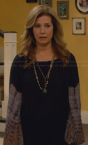 Vanessa's navy blouse with tie dye sleeves on Last Man Standing