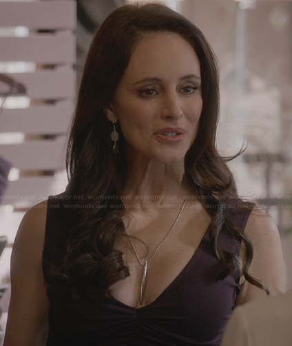 Victoria's purple dress and two tone earrings on Revenge