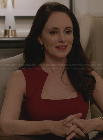 Victoria's red dress on Revenge