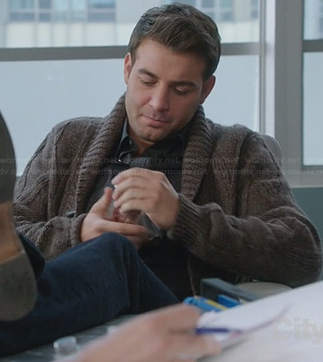 Zach's brown cable knit cardigan on The Crazy Ones