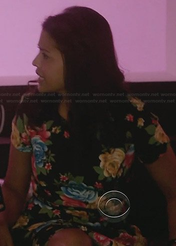 Allie's black rose print dress on The Crazy Ones