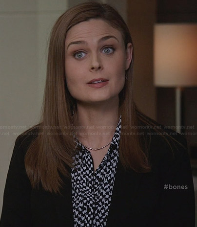 Brennan's houndstooth print shirt on Bones