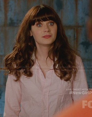 Jess's pink shirt with white contrast collar on New Girl
