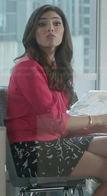 Lauren's pink wrap blouse and black and white patterned skirt on The Crazy Ones